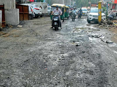 Ahmedabad civic body to issue notices to contractors for bad