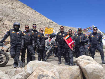 8-member expedition of Indian Army scales 8 of the world's