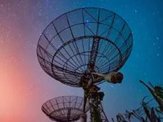 Govt plans to complete spectrum auction by November end: Sources