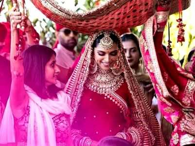 6 kinds of phoolon ki chaadar that are trending this wedding season