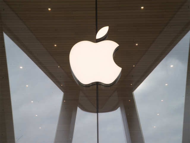 Apple's new iPhones get tepid reaction in China