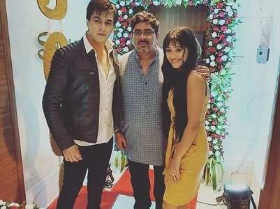 Shivangi-Mohsin celebrate with YRKKH team