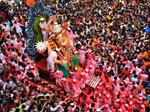 Ganesh Visarjan: Heart-warming pictures of devotees bidding farewell to Ganpati Bappa