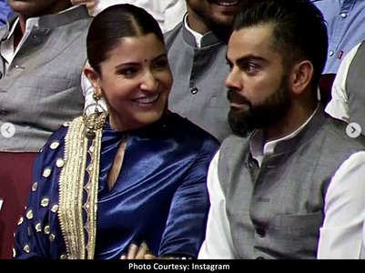 Anushka-Virat's romantic moment at an event