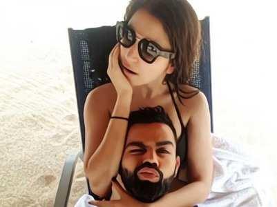 Hilarious Anushka-Virat's beach pic memes