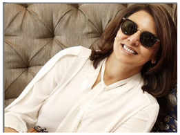 Did you know that Neetu Kapoor used her hairdresser as hand model for a photoshoot?