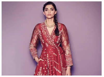 Sonam is a sight to behold in her latest pics
