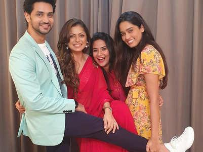Silsila actors Drashti, Aditi, Shakti reunite