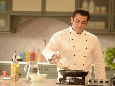 Salman Khan gives 'tedha tadka' to BB 13