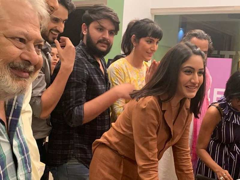 Surbhi Chandna celebrates her birthday on Sanjivani 2 sets; thanks team and fans for the wishes