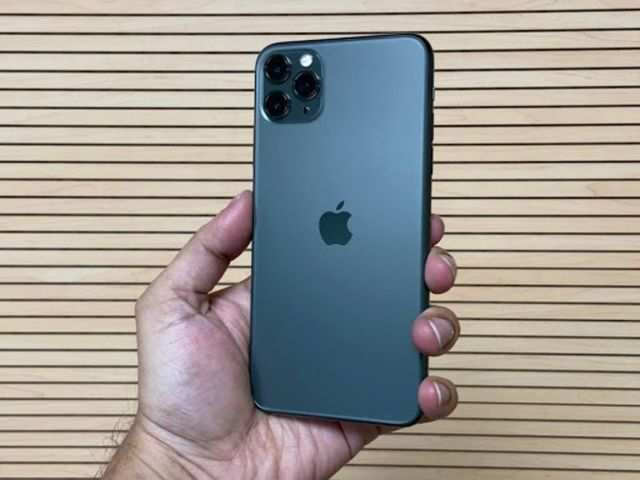 100 hours with the iPhone 11 Pro Max