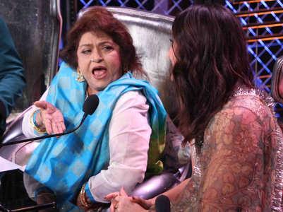 DID: Kareena admires Saroj Khan's expressions