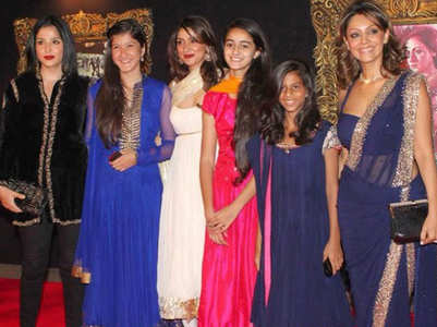 In Pic:Suhana, Ananya, Shanaya look adorable