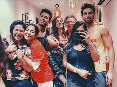 Celebs attend Parth's housewarming party