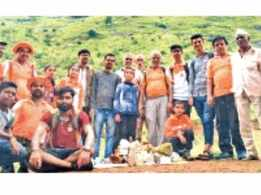 A garbage collection drive takes place at Ramshej fort