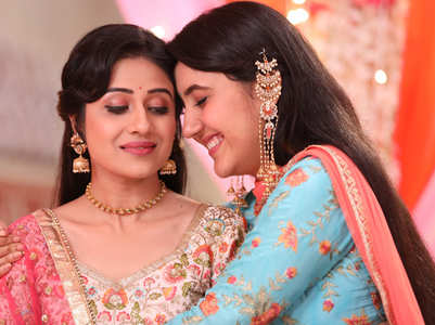 Onscreen daughters' bond with reel parents