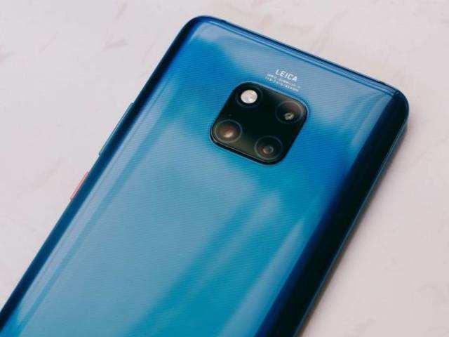 Samsung mocks new Huawei phones for not having Google apps