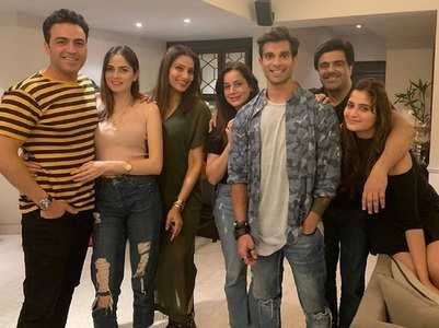 BB 13: Arti Singh parties with friends, ex-Ayaz