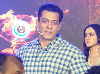 BB 13: Salman gets angry at a photographer