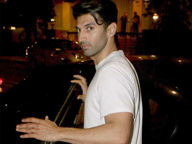 Sadak 2 Aditya Roy Kapur Rocks A Slick New Look As He Is Spotted With Alia Bhatt Hindi Movie News Times Of India