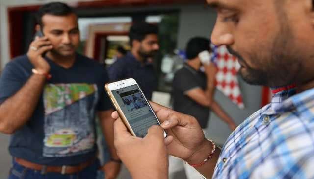 Online festive sales to add 60 lakh 4G smartphone users: Report
