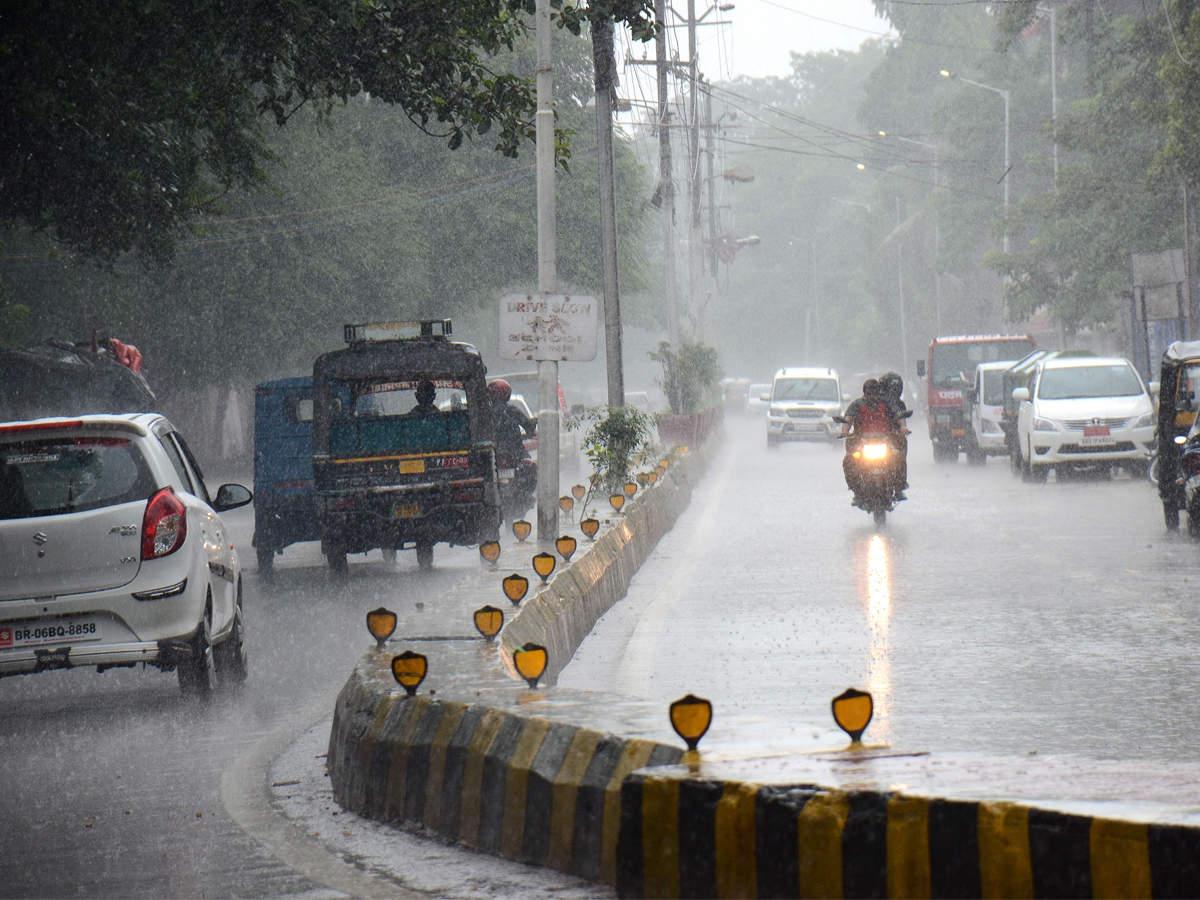 Prediction for more rain in West Bengal after a wet Mahalaya | Kolkata News  - Times of India