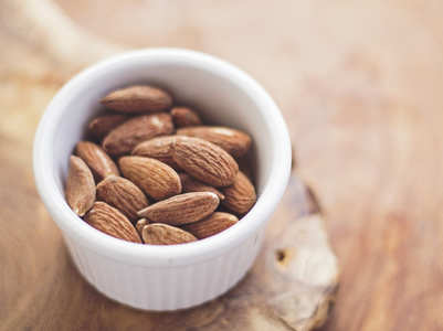 Daily consumption of almonds reduce facial wrinkle