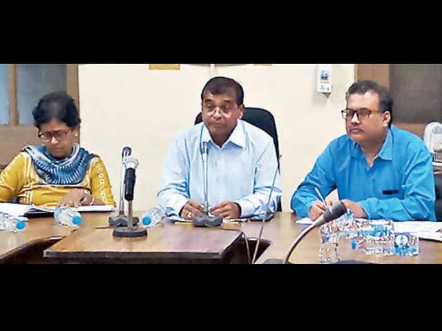 BSNL Bengal Circle CGM Ramakant Sharma (C) in city on Friday.