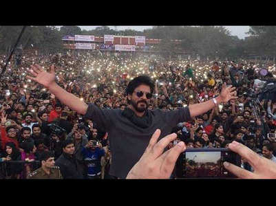 SRK is most followed Indian actor on Twitter