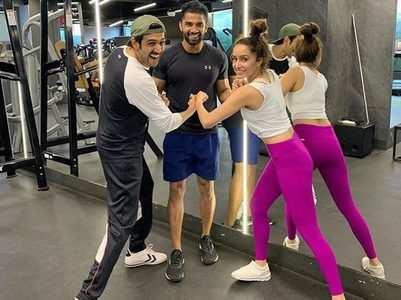 Kartik-Shraddha share a light moment in gym
