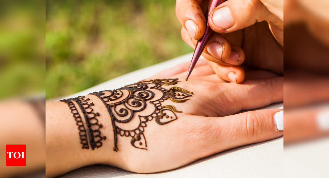8 Minimalist Mehendi Designs To Try This Karwa Chauth 2019 Times Of India,Full Tribal Sleeve Tattoo Designs