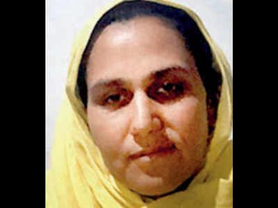جموں و کشمیر :مقامی انتخابات میں آزاد کشمیر کی آصفہ تبسم میربھی حصہ لے رہی ہیں