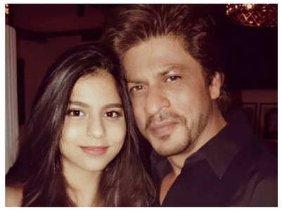 Flashback Friday: Suhana poses with SRK