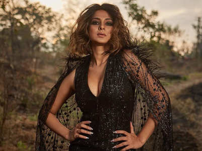 Jennifer Winget sizzles in a black hot dress