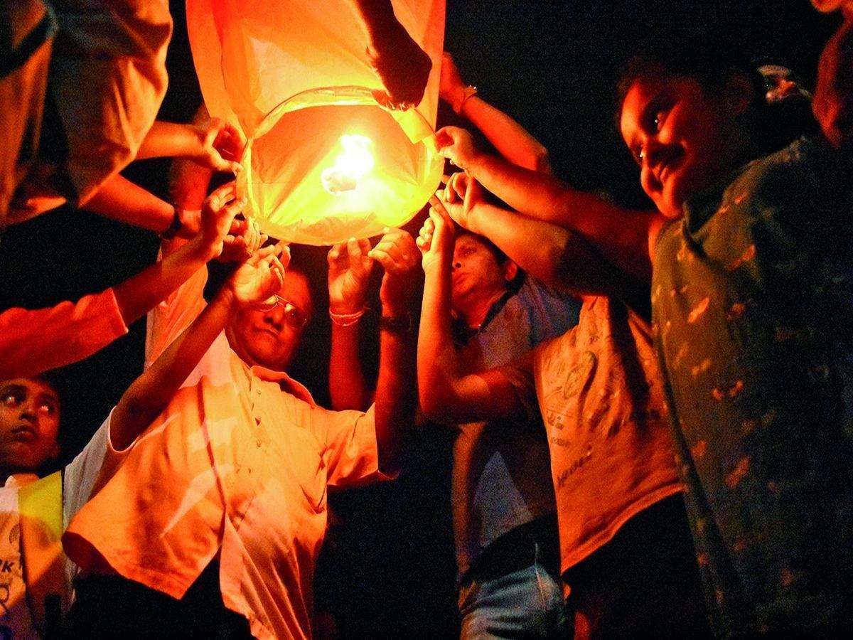 Mysuru To Host First Sky Lantern Festival This Deepavali Mysuru News Times Of India