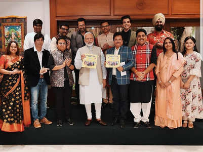 PM Narendra Modi meets the cast of Taarak