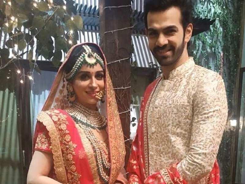 Dipika Kakar stuns in a red bridal lehenga for her reel wedding in Kahaan Hum Kahaan Tum