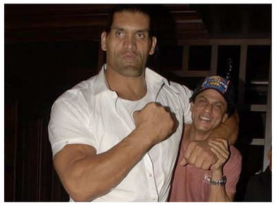 Throwback pic of SRK with The Great Khali