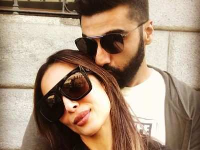Photo: Arjun and Malaika seal it with a kiss