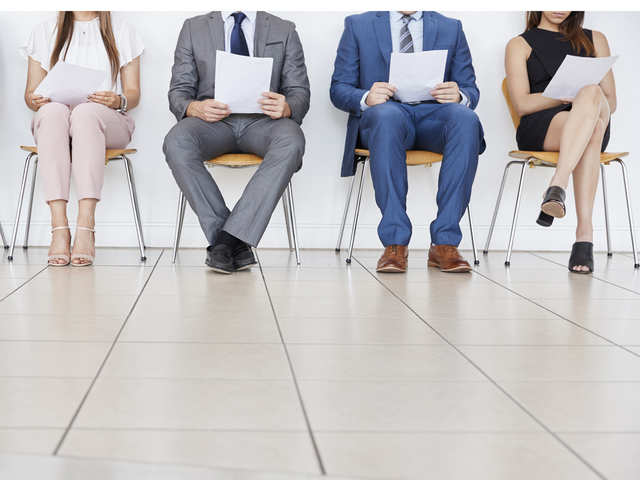 <p>Mostly mid and senior managers, with experience between 10 and 25 years, are on the job hunt, said experts.<br></p>