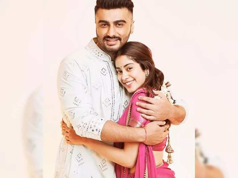 Janhvi Kapoor is all praise for her brother Arjun Kapoor's Sadashiv Rao Bhau look from 'Panipat'
