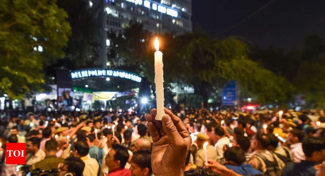 Delhi cops end stir; Centre unhappy with protests, top brass under lens