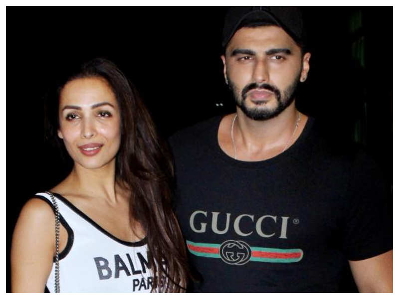 """Malaika Arora feels his otherwise """"perfect"""" Arjun Kapoor is not so good at THIS one thing!"""