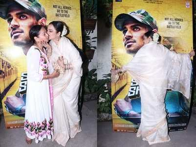 Rekha's most candid moments at a screening!