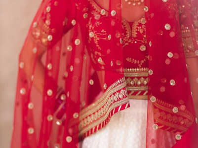This bride's white and red lehenga is the best of both worlds!