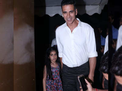 Watch: Akshay's movie date with Nitara