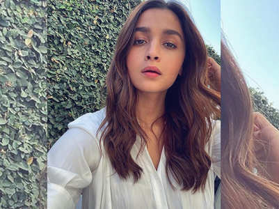 Alia looks radiant in her latest selfie