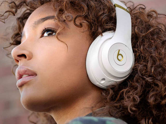 Apple's Beats Studio3 wireless headphones can be purchased at just $199