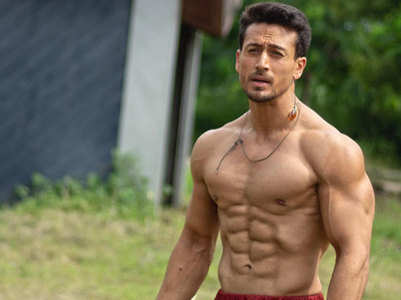 Photo: Tiger Shroff flaunts his perfect abs