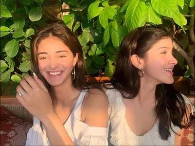 Ananya-Shanaya's happy photo is unmissable!